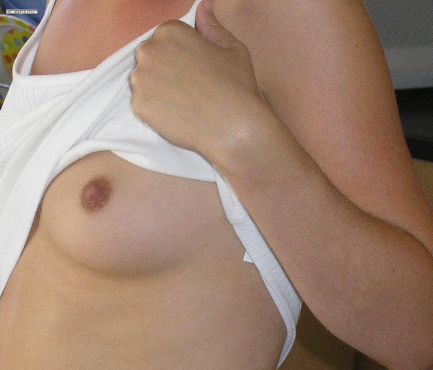 Tit Flash: Small Tits - Sunny from United Kingdom
